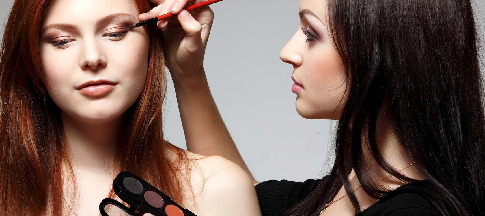 Devenir maquilleuse : quelles formations dans le maquillage ?