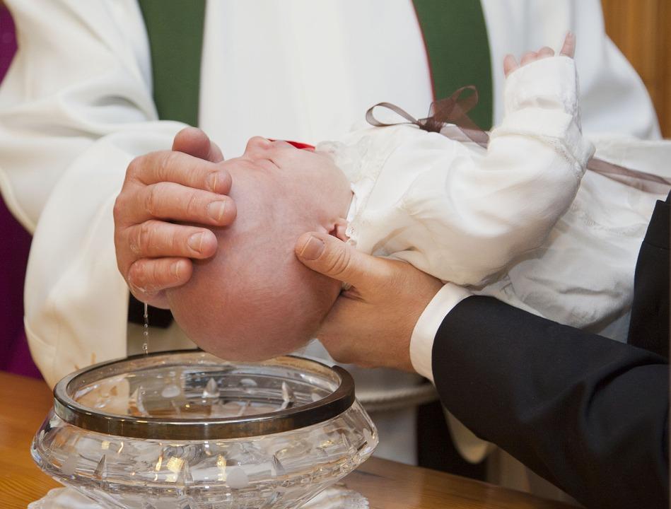 Médaille de baptême comment choisir