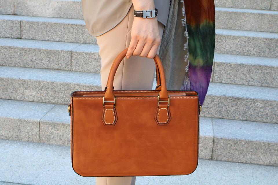 Acheter un accessoire de maroquinerie en cuir