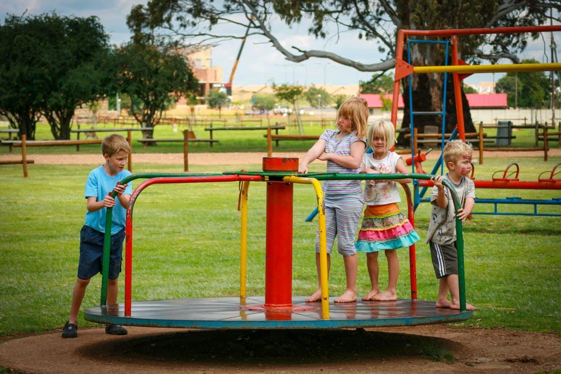 Comment réussir sa première sortie en groupe d'enfants ?